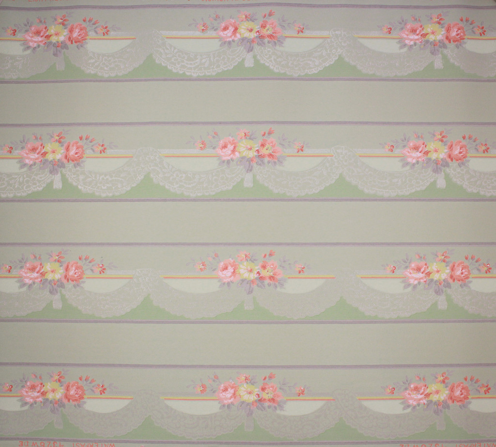 1940s Vintage Wallpaper Border Pink and Yellow Flowers Lace Swag