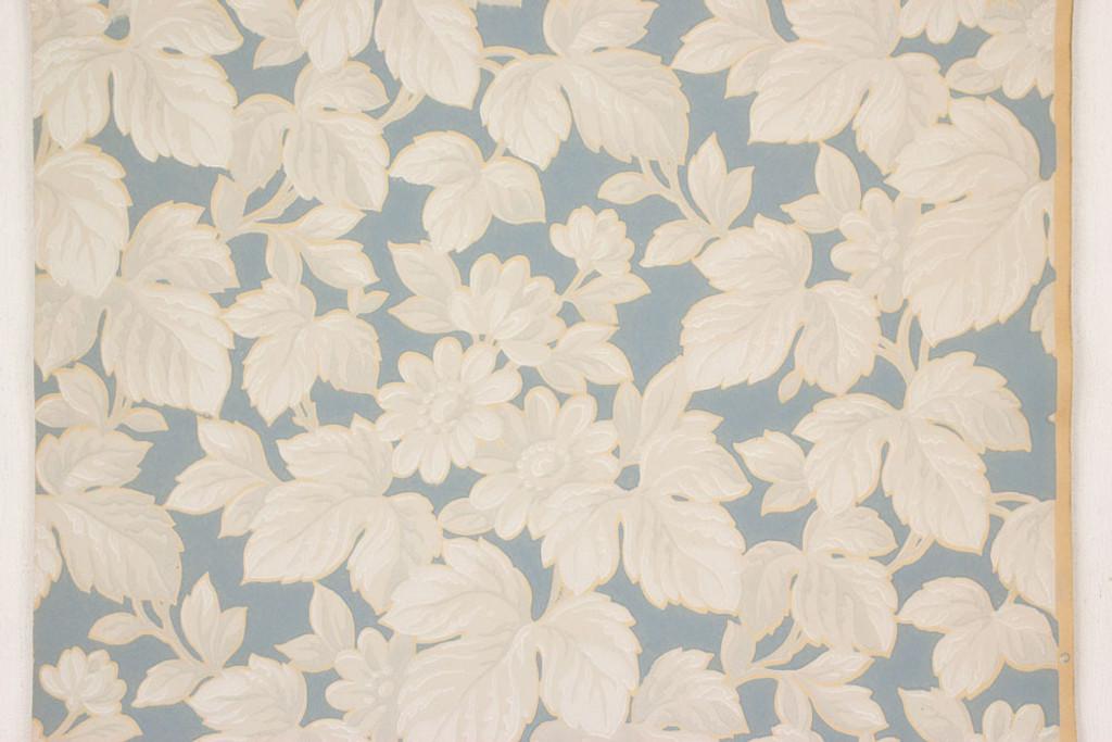 1930s Vintage Wallpaper White Flowers on Blue