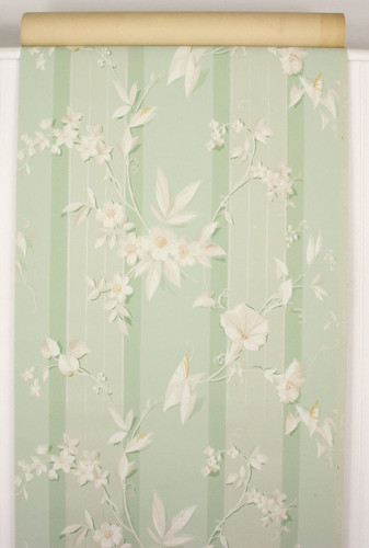 1940s Vintage Wallpaper Morning Glories on Green