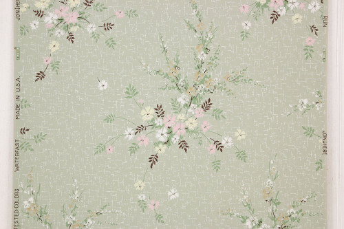 1940s Vintage Wallpaper Pink and Yellow Floral Bouquets on Green
