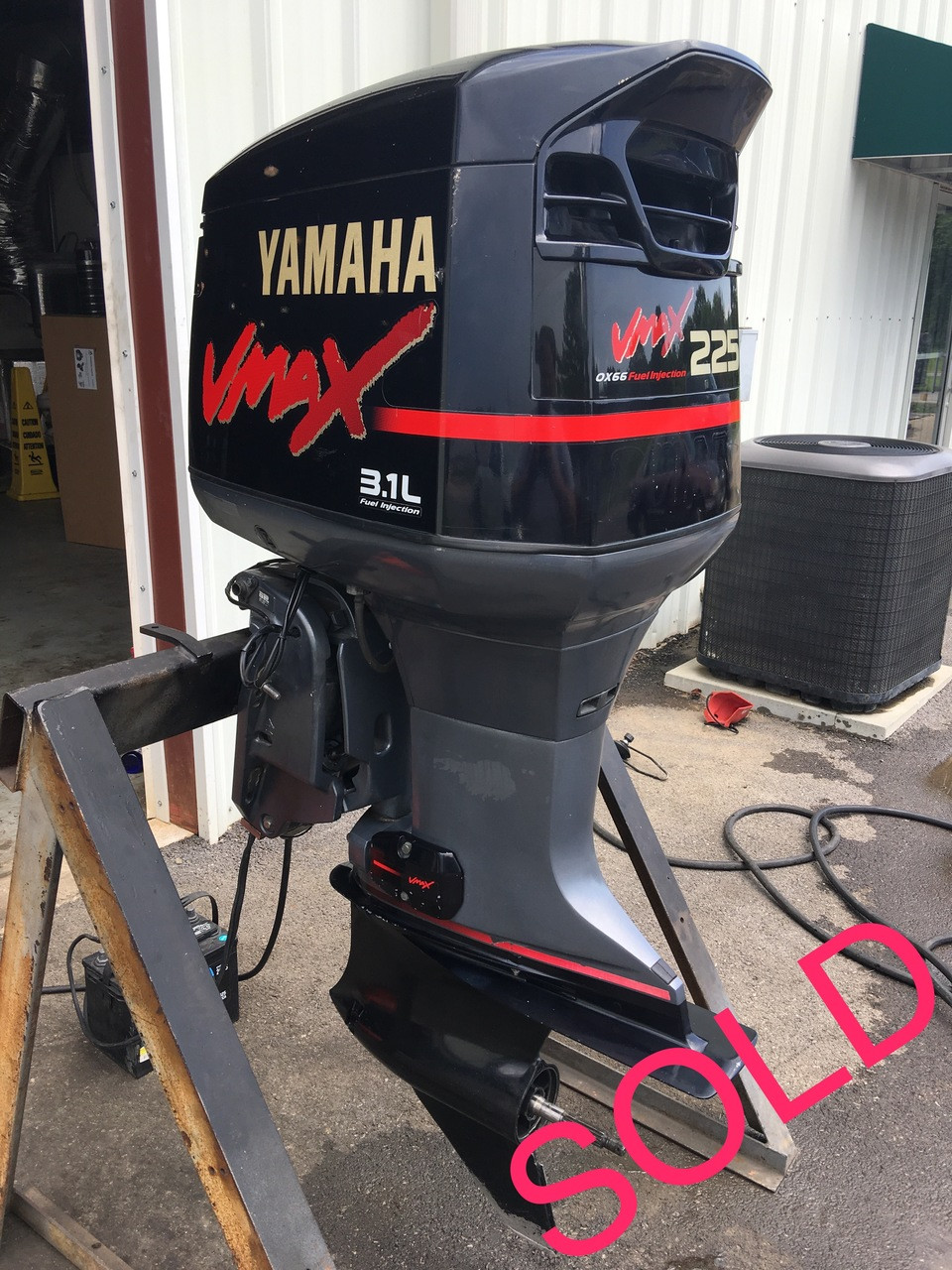 2001 Yamaha VMax 225 HP 3 1L EFI V6 2-Stroke 20