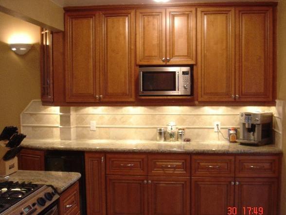 Kitchen Cabinets - Coffee Glaze - Craftsmen Network
