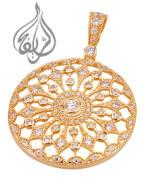 Gold pendant round