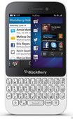 "blackberry q5 white 2gb ram 8gb rom 3.1"" screen 5mp  camera smartphone + gifts"