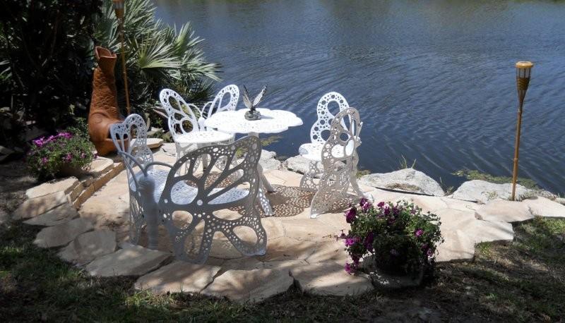 Butterfly chair garden set