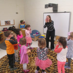 Sing with Senora Spanish class for ages 3.5 - 7 years