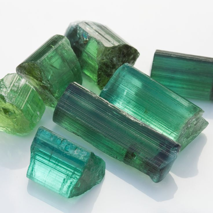 Tourmaline: The Secret Behind Negative Ion Wristbands
