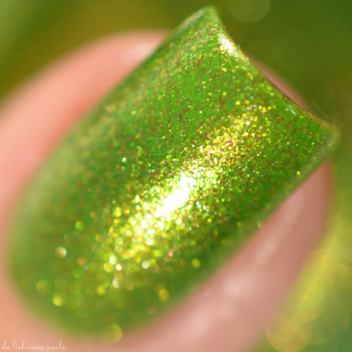 Swatch courtesy of Delishious Nails | GIRLY BITS COSMETICS Goblin It Up (October COTM)