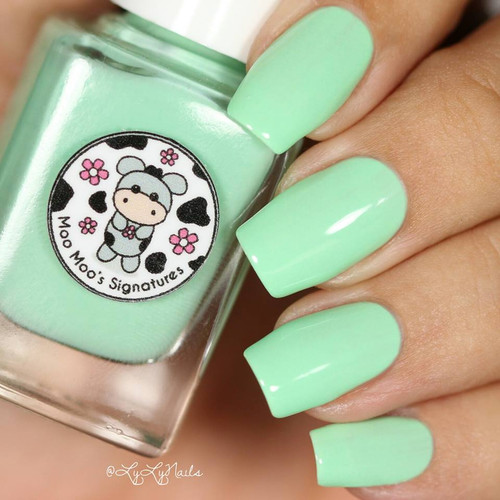 AVAILABLE AT GIRLY BITS COSMETICS www.girlybitscosmetics.com Seafoam Daisy (Rainbow Flowers Bath Collection) by Moo Moo Signatures   Swatch courtesy of @lylynails