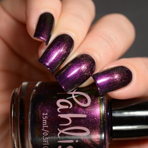 AVAILABLE AT GIRLY BITS COSMETICS www.girlybitscosmetics.com Magic Moon (June 2017 Collection) by Pahlish | Swatch  provided by Delishious Nails