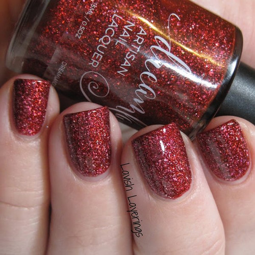 AVAILABLE AT GIRLY BITS COSMETICS www.girlybitscosmetics.com Santa! I Know Him! (Christmas 2016 Collection) by Dreamland Lacquer | Photo credit: Lavish Layerings