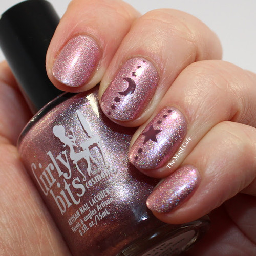 GIRLY BITS COSMETICS BLACK FRIDAY EXCLUSIVE!!!! On The Nice List.  Photo by The Mani Cafe
