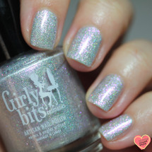 Girly Bits Cosmetics Shell Yeah! (June 2018 CoTM) | Photo credit: Streets Ahead Style