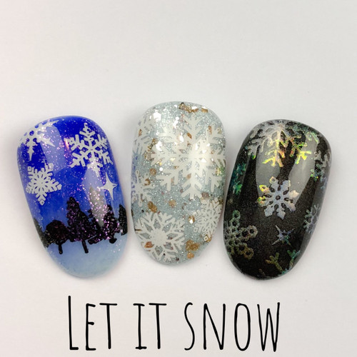 Let It Snow Mini Plate by Dixie Plates AVAILABLE AT GIRLY BITS COSMETICS www.girlybitscosmetics.com | Photo credit: Dixie Plates