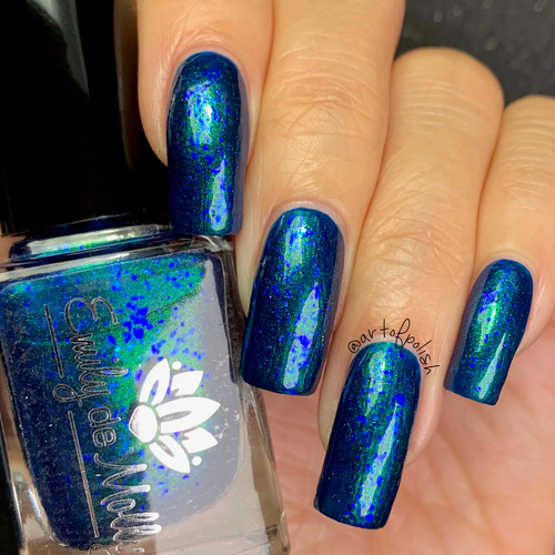 Midnight Mermaid from the January 2019 Collection by Emily de Molly AVAILABLE AT GIRLY BITS COSMETICS www.girlybitscosmetics.com | Photo credit: @artofpolish