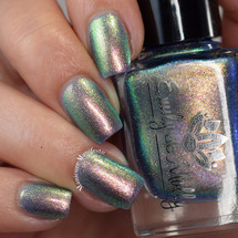 Save Your Boredom from the November 2018 Collection by Emily de Molly AVAILABLE AT GIRLY BITS COSMETICS www.girlybitscosmetics.com   Photo credit: CDB Nails