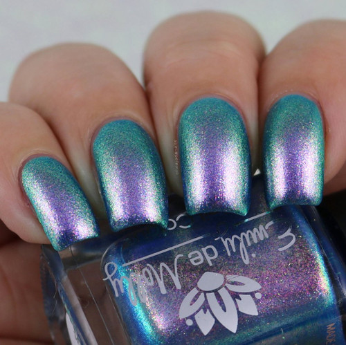 Sea of Lies from the October 2018 Collection by Emily de Molly AVAILABLE AT GIRLY BITS COSMETICS www.girlybitscosmetics.com | Photo credit: @oliviajadenails