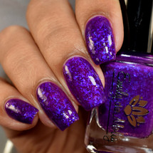 Grace And Glory from the February 2019 Collection by Emily de Molly AVAILABLE AT GIRLY BITS COSMETICS www.girlybitscosmetics.com | Photo credit: The Polished Mage
