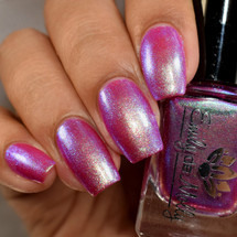 Parallel Worlds from the February 2019 Collection by Emily de Molly AVAILABLE AT GIRLY BITS COSMETICS www.girlybitscosmetics.com | Photo credit: The Polished Mage