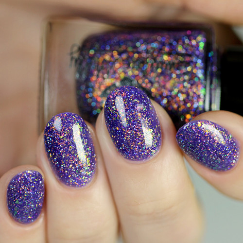 Another Icon from the March 2019 Collection by Emily de Molly AVAILABLE AT GIRLY BITS COSMETICS www.girlybitscosmetics.com | Photo credit: Glitterfingersss