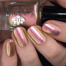City of Light from the May 2019 Collection by Emily de Molly AVAILABLE AT GIRLY BITS COSMETICS www.girlybitscosmetics.com | Photo credit: Nail Polish Society