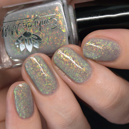 Dull Beings from the May 2019 Collection by Emily de Molly AVAILABLE AT GIRLY BITS COSMETICS www.girlybitscosmetics.com | Photo credit: Nail Polish Society