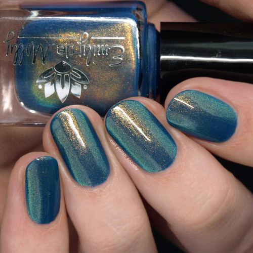 Well Suited from the May 2019 Collection by Emily de Molly AVAILABLE AT GIRLY BITS COSMETICS www.girlybitscosmetics.com | Photo credit: Nail Polish Society