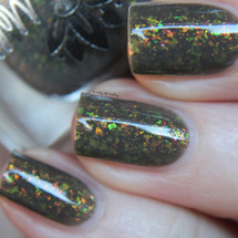 LE 173 from the August 2019 Collection by Emily de Molly AVAILABLE AT GIRLY BITS COSMETICS www.girlybitscosmetics.com