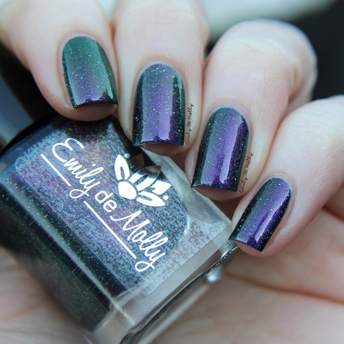 LE 176 from the September 2019 Release by Emily de Molly AVAILABLE AT GIRLY BITS COSMETICS www.girlybitscosmetics.com
