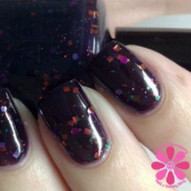 Swatch courtesy of Cosmetic Sanctuary | GIRLY BITS COSMETICS Gravedigger
