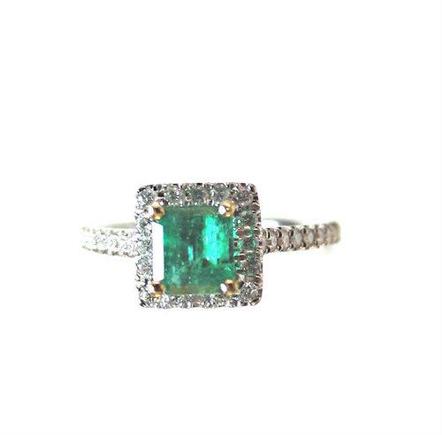 Colombian Green Emerald Diamond Ring
