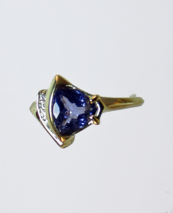 Blue Tanzanite and Diamond Gold Ring