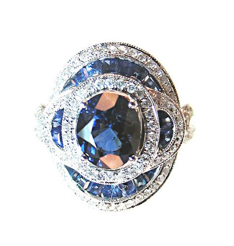 Blue sapphire and diamond 18KT gold ring