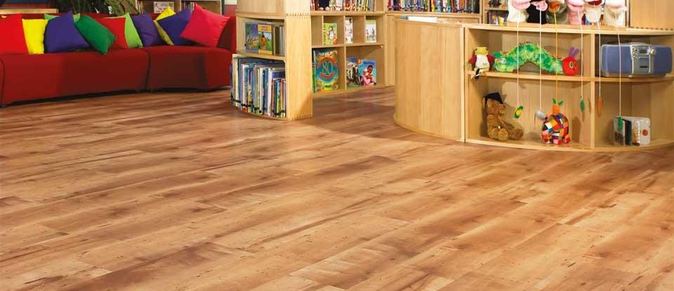 karndean-van-gogh-maple-luxury-vinyl-woodplank.jpg