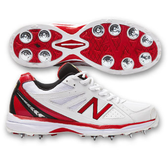 new balance cricket spikes