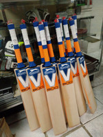 Slazenger V800 AEROBLADE Cricket Bat 2015