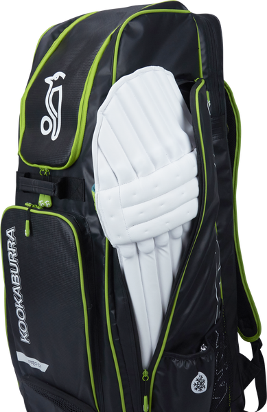Kookaburra Pro D1 Duffle Bag - black/green 2017 batting pads compartment