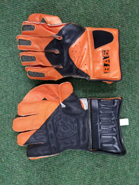BAS Bow WK Gloves 2017 Traditional Style
