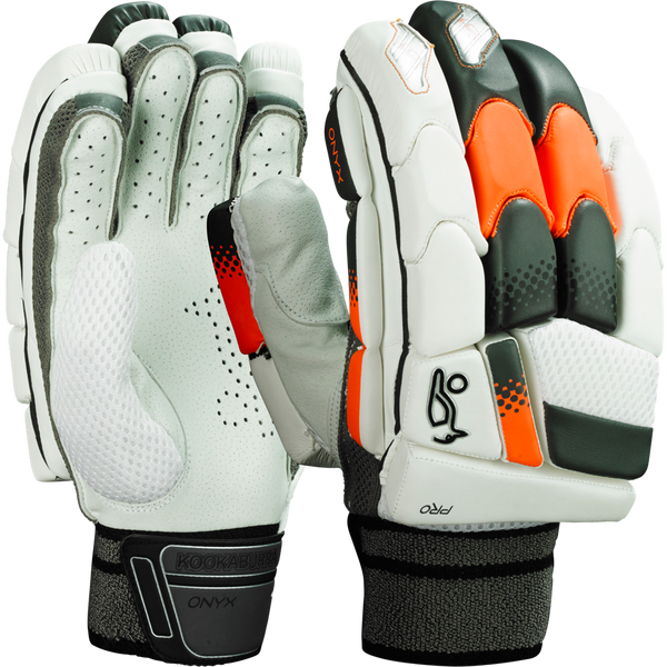 Durable fibre inserts within the finger rolls offer unrivalled impact protection and instantly dissipate shock throughout the glove
