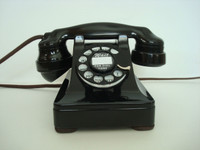 Western Electric 1937 model 302 with E1 handset
