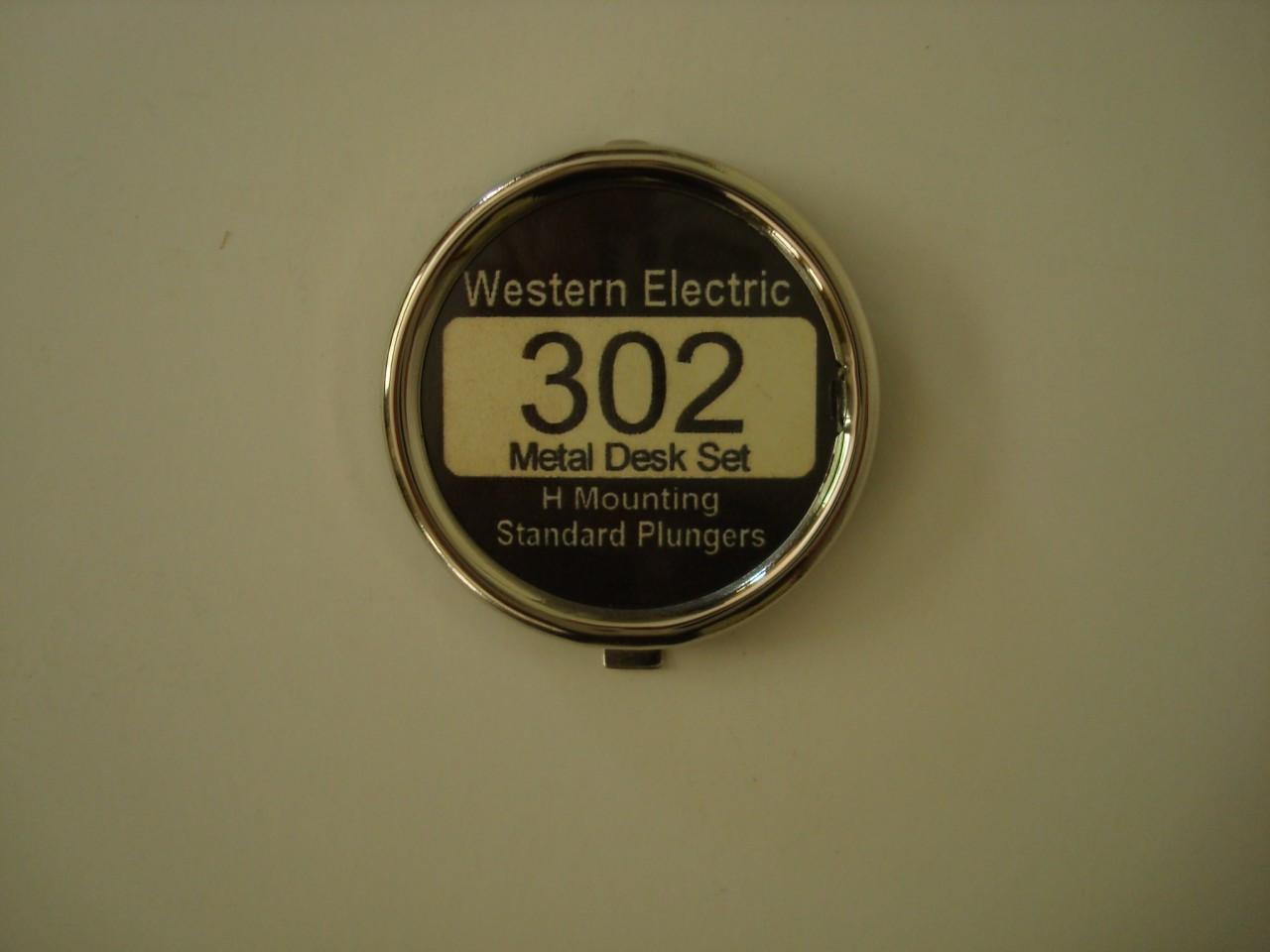 302 telephone chrome dial center set extra nice - Old Phone