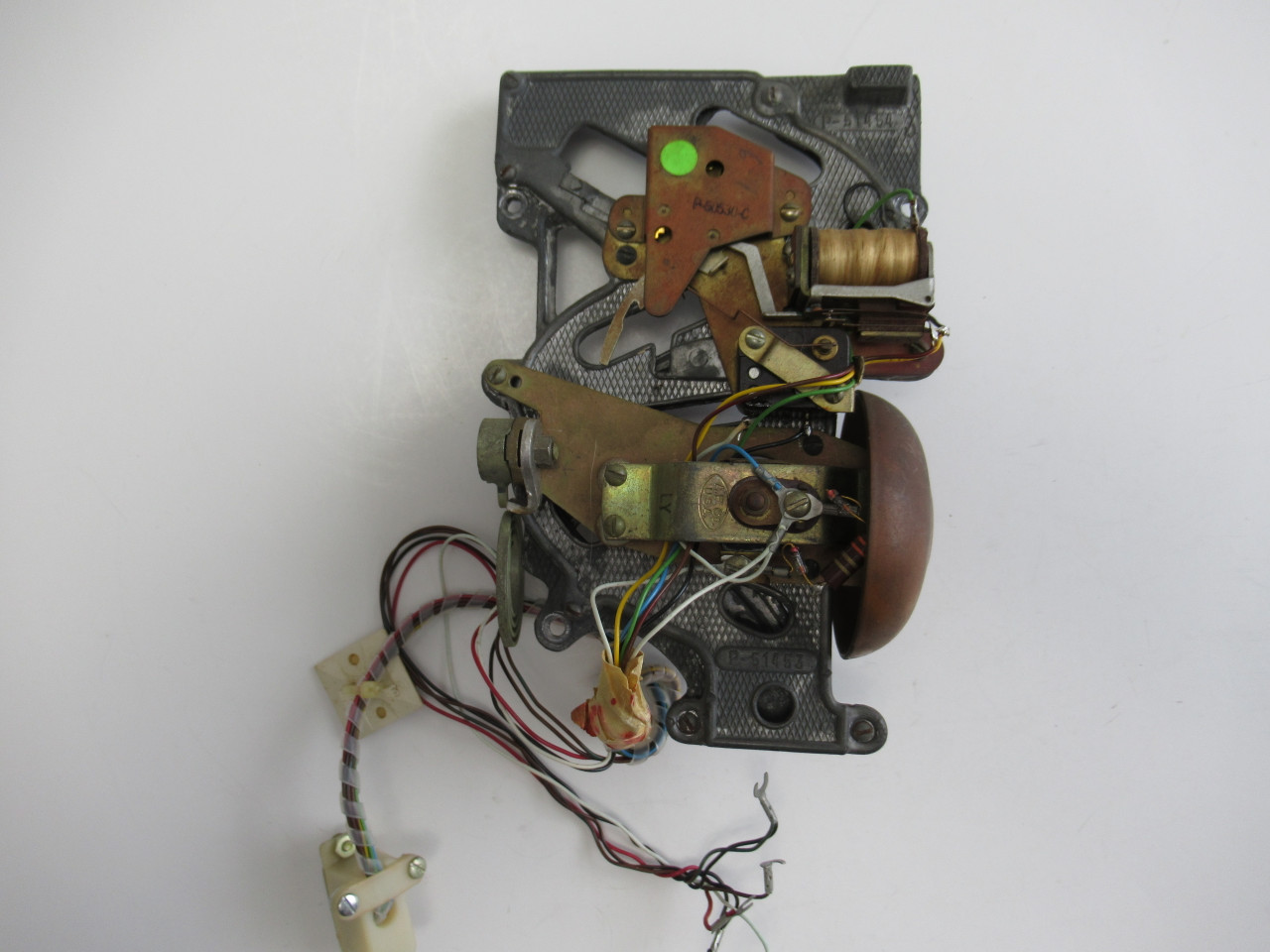 quick disconnect wiring harness ae 3 slot payphone lead coin chute with quick disconnect wiring  ae 3 slot payphone lead coin chute with