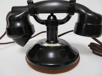 Antique 1920s  Original Stromberg Carlson telephone Round base 1177