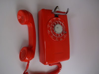 Stromberg Carlson Rotary dial wall phone Orange 500