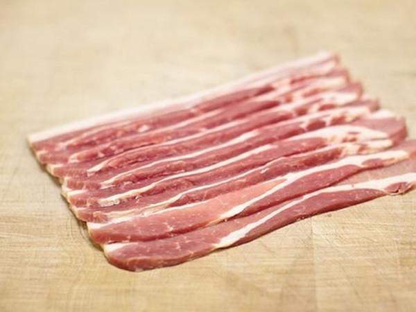 Smoked Streaky Bacon (~450g)