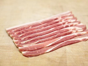 Smoked Streaky Bacon (~450g)