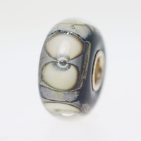 Sand Beach Bead with a Twist