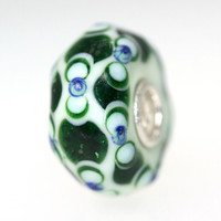 Dark Green and White Bead