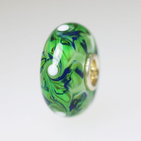 Green Swirl Unique bead