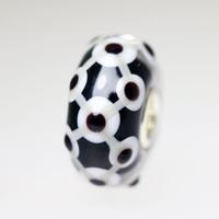 Black & White Unique Bead